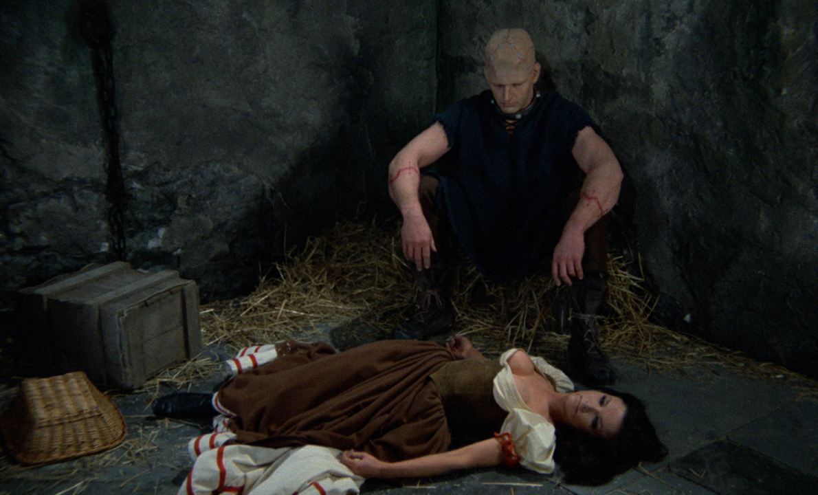 Les Horreurs de Frankenstein : Photo David Prowse, Kate O'Mara