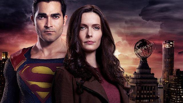 Superman & Lois : la CW dévoile le nouveau costume du superhéros - News  Séries à la TV - AlloCiné